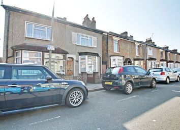 3 bed semi-detached house to rent in Park End, Bromley BR1
