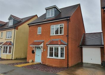 4 bed link-detached house for sale in Royal Gardens, Tadley, Hampshire RG26