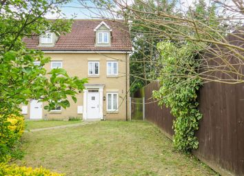 3 bed town house for sale in Mackintosh Close, Ipswich IP3