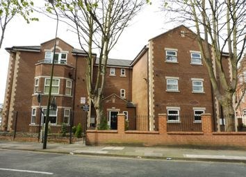 2 bed flat to rent in Heneage Road, Grimsby DN32