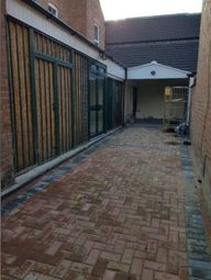Thumbnail 2 bed flat to rent in Cambridge Street, Leicester
