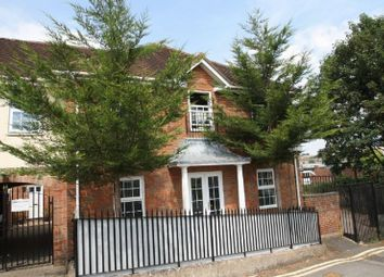 Thumbnail 2 bed flat to rent in Rutland Street, High Wycombe