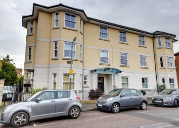 Thumbnail 2 bed flat for sale in Institute Road, Marlow