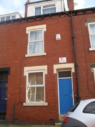 3 bed property to rent in School View, Hyde Park, Leeds LS6