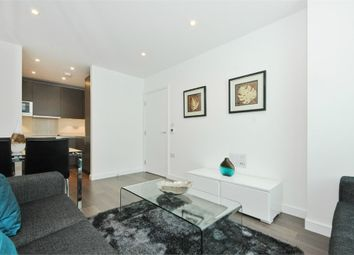 Thumbnail 2 bedroom flat to rent in 1 Saffron Central Square, Croydon, Surrey
