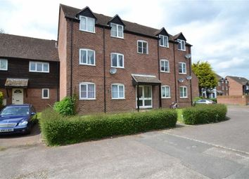 Thumbnail 2 bed flat for sale in Crawford Place, Newbury, Berkshire
