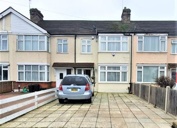 3 bed terraced house to rent in Baron Gardens, Ilford IG6
