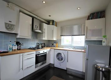 1 bed flat to rent in Station Approach, West Byfleet KT14