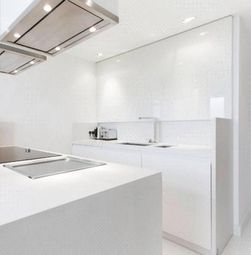 2 bed flat to rent in Canary Wharf, London E14