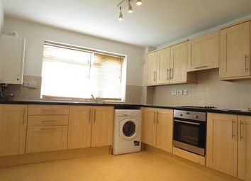 Thumbnail 3 bedroom flat to rent in Radcliffe Road, Croydon