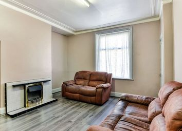 2 bed terraced house to rent in Shroggs Vue Terrace, Halifax HX1