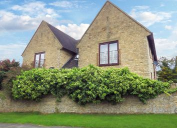 Thumbnail 2 bed flat for sale in Eastfield Court, Witney, Oxfordshire