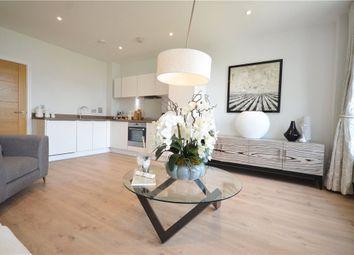 2 bed flat for sale in High Street, Bracknell, Berkshire RG12
