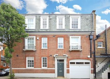 Thumbnail 1 bed flat for sale in Devonshire Close, London