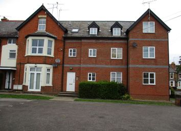 Thumbnail 1 bed flat to rent in Send Road, Caversham, Reading