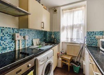 Thumbnail 2 bed flat for sale in Kingsley Flats, Elephant And Castle