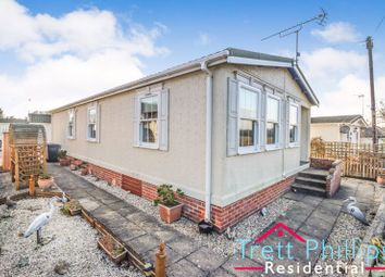 Thumbnail 2 bed mobile/park home for sale in Smallburgh, Norwich