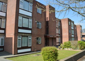 Thumbnail 2 bedroom flat to rent in Holden Road, Woodside Park, London