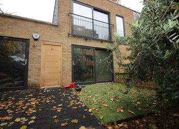 Thumbnail 1 bed flat to rent in Green Lanes, Stoke Newington, London