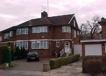 Thumbnail 4 bedroom shared accommodation to rent in Lonsdale Drive, Enfield