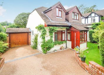 Sunny Rise, Chaldon, Caterham CR3. 4 bed detached house