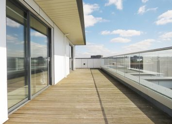 2 bed flat for sale in New Orchard, Poole BH15
