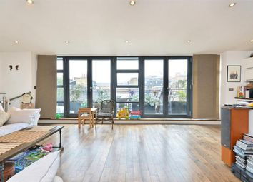 Thumbnail 2 bedroom flat to rent in Bouton Place, Islington