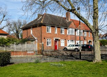 Thumbnail 2 bed maisonette for sale in Tilehurst Road, London
