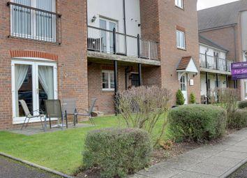 Thumbnail 3 bedroom flat for sale in Marina Way, Abingdon