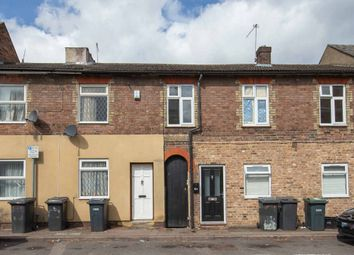 Thumbnail 4 bed flat for sale in Hastings Street, Luton