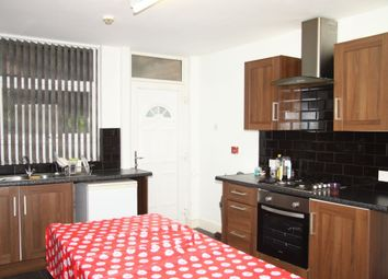 Thumbnail 7 bed property to rent in Ash Grove, Hyde Park, Leeds