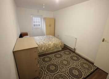 Thumbnail Room to rent in Merlin Crescent, Edgware