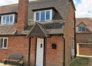 Thumbnail 2 bed cottage for sale in High Street, Newbury, Berkshire