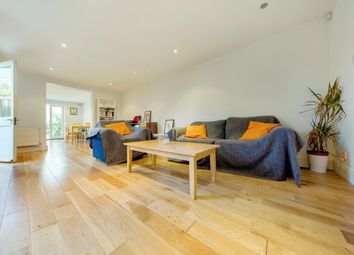 Thumbnail 2 bed flat to rent in Helix Road, Brixton, London