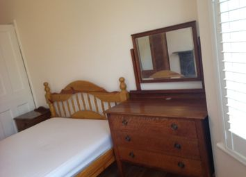 Thumbnail Room to rent in Woodland Terrace, Charlton