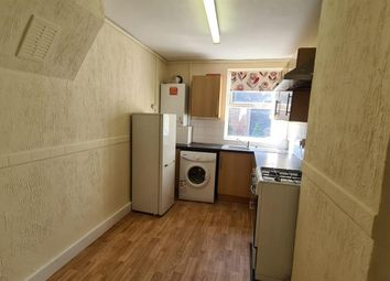 Thumbnail 2 bed flat to rent in Ling Road, London