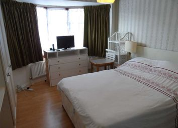 Thumbnail Room to rent in Clitherow Avenue, London