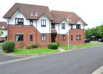 Thumbnail 2 bedroom flat to rent in Wren Drive, West Drayton