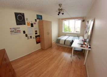 Thumbnail 5 bed flat to rent in Seagrave Close, Wellesley Street, London
