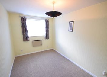 Thumbnail 2 bedroom flat to rent in Woodstock Gardens, Laindon
