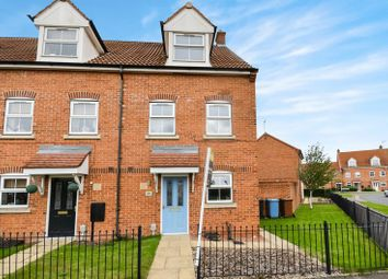 Thumbnail 3 bedroom town house for sale in 30 Gilderidge Park, Hull