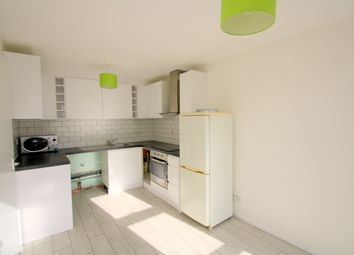 Thumbnail 3 bed triplex to rent in Sussex Way, Isington