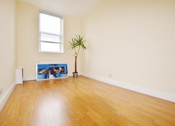 Thumbnail 1 bed flat to rent in Green Street, London