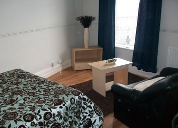 Thumbnail 1 bedroom property to rent in Flat 7, 223 Hyde Park Road, Hyde Park