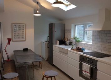 Thumbnail Flat to rent in Newlyn Road, London