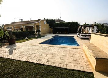 Thumbnail 4 bed chalet for sale in Sin Zona, Alicante, Spain