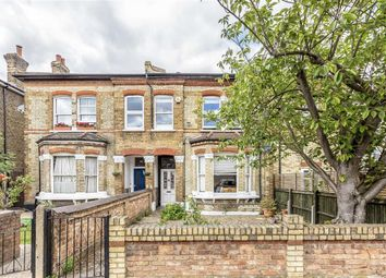 Thumbnail 1 bed flat for sale in Ryde Vale Road, Balham