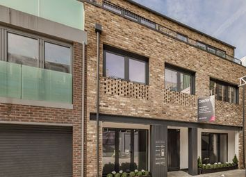 King's Mews, London WC1N. 3 bed flat