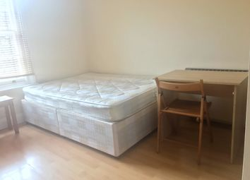 Thumbnail 1 bed flat to rent in Clapham High Street, Clapham Common