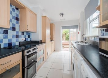 Thumbnail Room to rent in St Leonards Road, Windsor